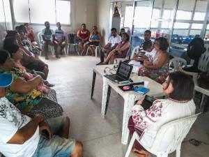 Moradores em Brisa do Lago acompanham a oficina